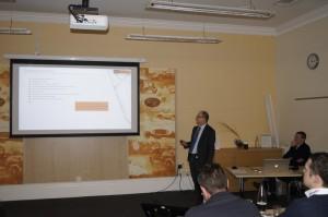 Achim Kilgus beim Vortragen